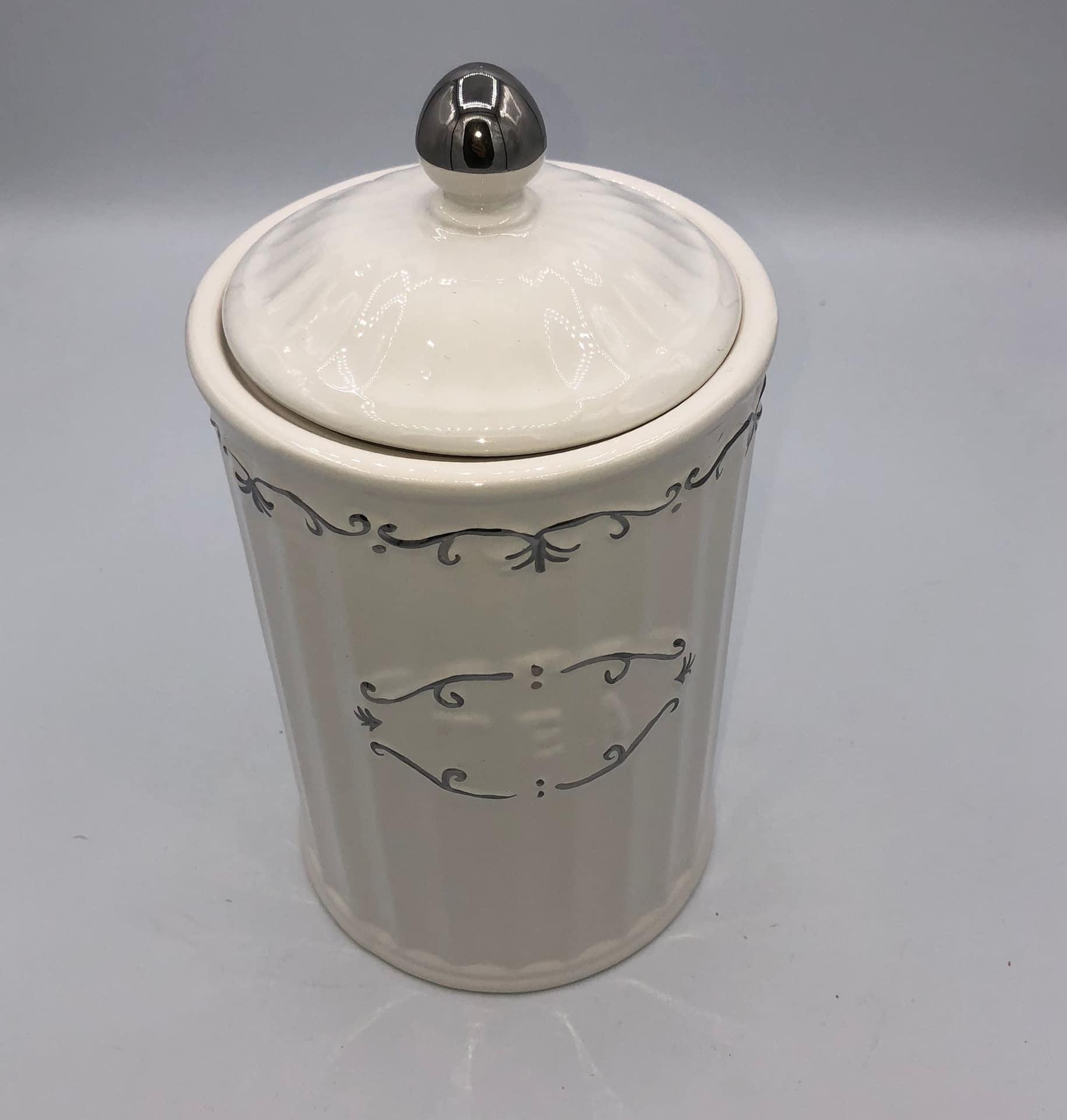 Bote de ceramica decorada 2